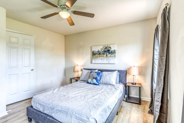 ❤ Top Rated Location - Houston-Family+Pet+Business