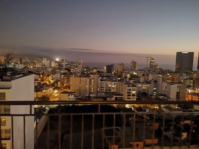 HERMOSO APARTAMENTO MIRAFLORES - ZONA EJECUTIVA