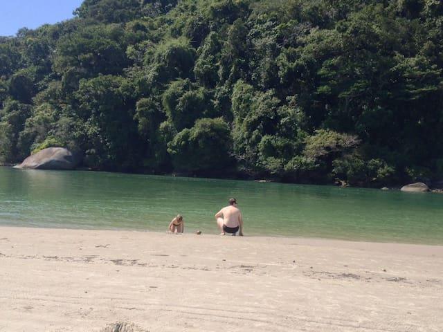 Chalés a 500m Praia/Rio Guaratuba-Costa do Sol