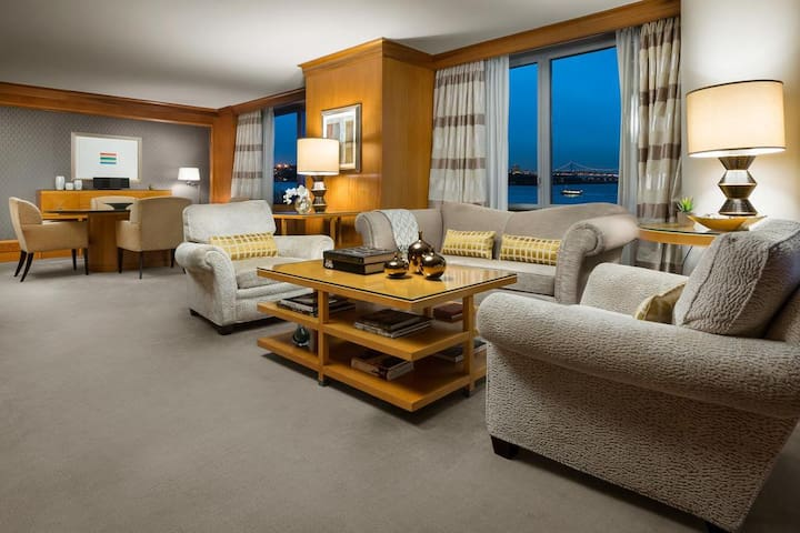 Enjoy the Suite Life with a Harbor View!