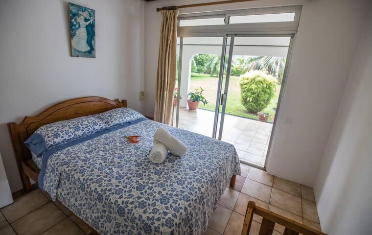 Villa 2 chambres 4/5 pax climatisé + voiture 315$