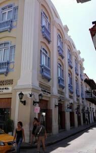 CALLE DE AYOS, Cra. 4 #35-26, Cartagena, apt 308 - Cartagena - Pis
