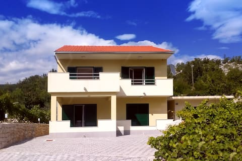 Big house for 8, amazing view, near sea side.