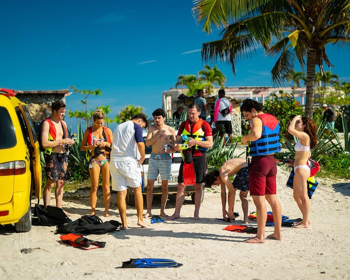 Briefing before the snorkeling