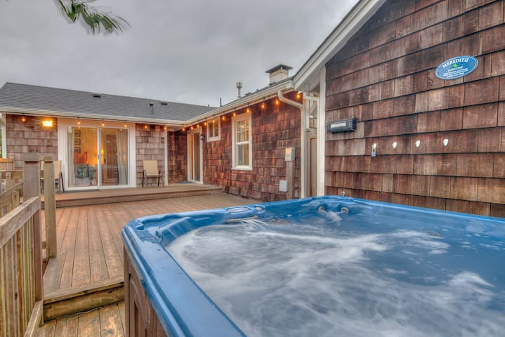 Hot Tub, Fenced Yard One Block from the Beach in this Single-Level Charmer in Seaside