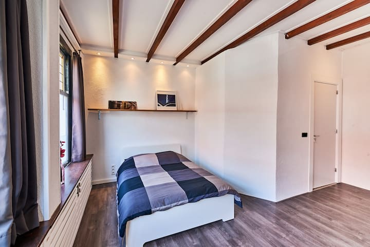 Just Stay - 4 Bedroom Long stay in Vlaardingen