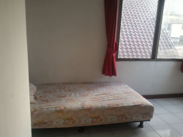 Single Private Room - Kemayoran - Apartment