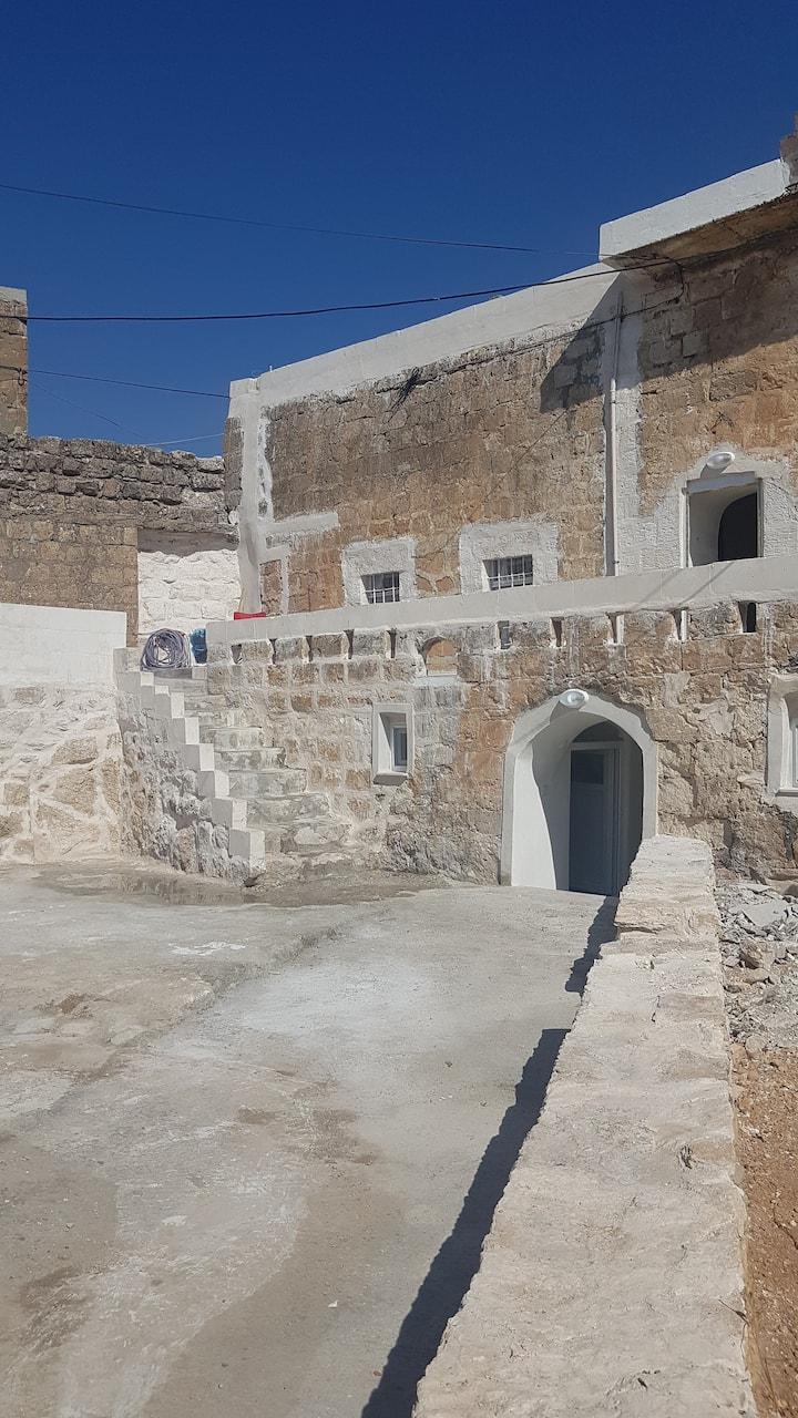 Konuk Evi Yanında Tarihi Müstakil Ev (Historic)
