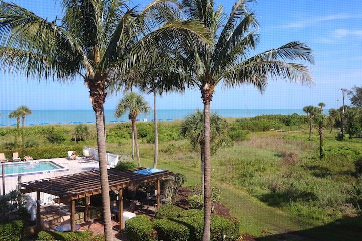 Nicely Updated, 2 Bedroom, Direct BeachFront Condo - South Seas Beach Villa 2528