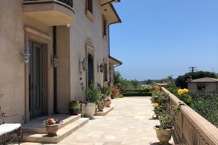 Elegant Spacious Italian Villa in Western Malibu
