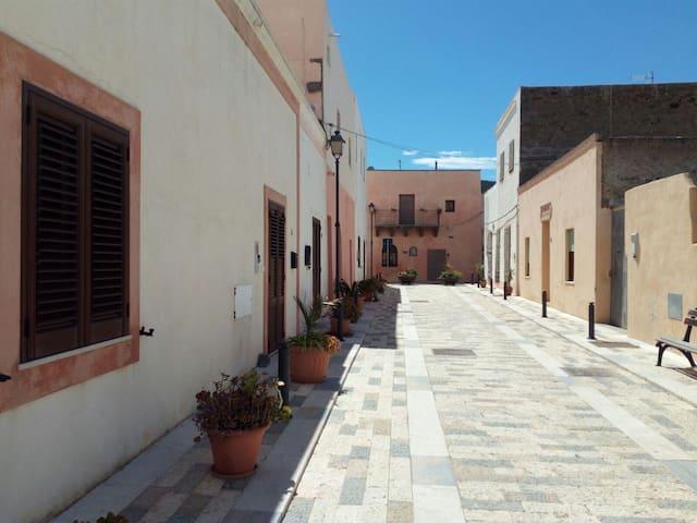 """Casa """"di zu' Totò"""""""