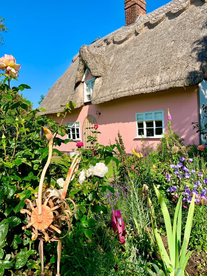 Grade II Listed 1400c Suffolk Pink Cottage