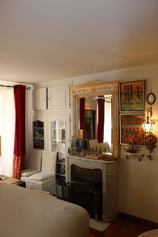 Charming appartement in Montmartre