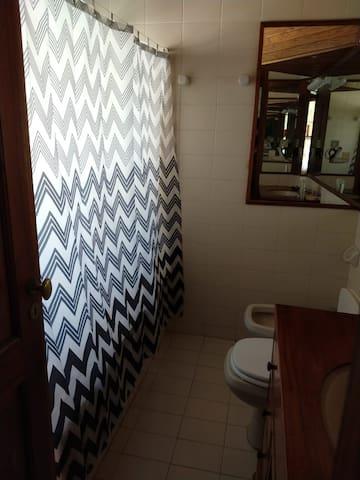 baño completo en planta baja