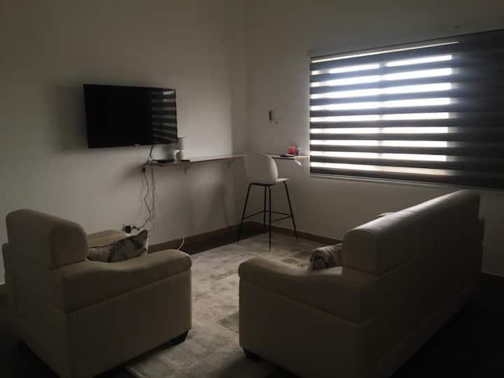 Little Apartment 2, Tseaddo