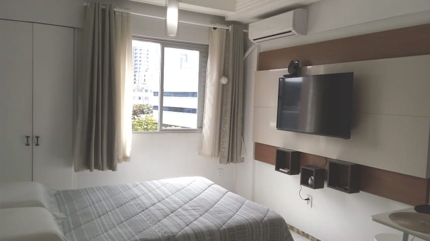 Apartamento Baln Camboriú  500 mts praia central.