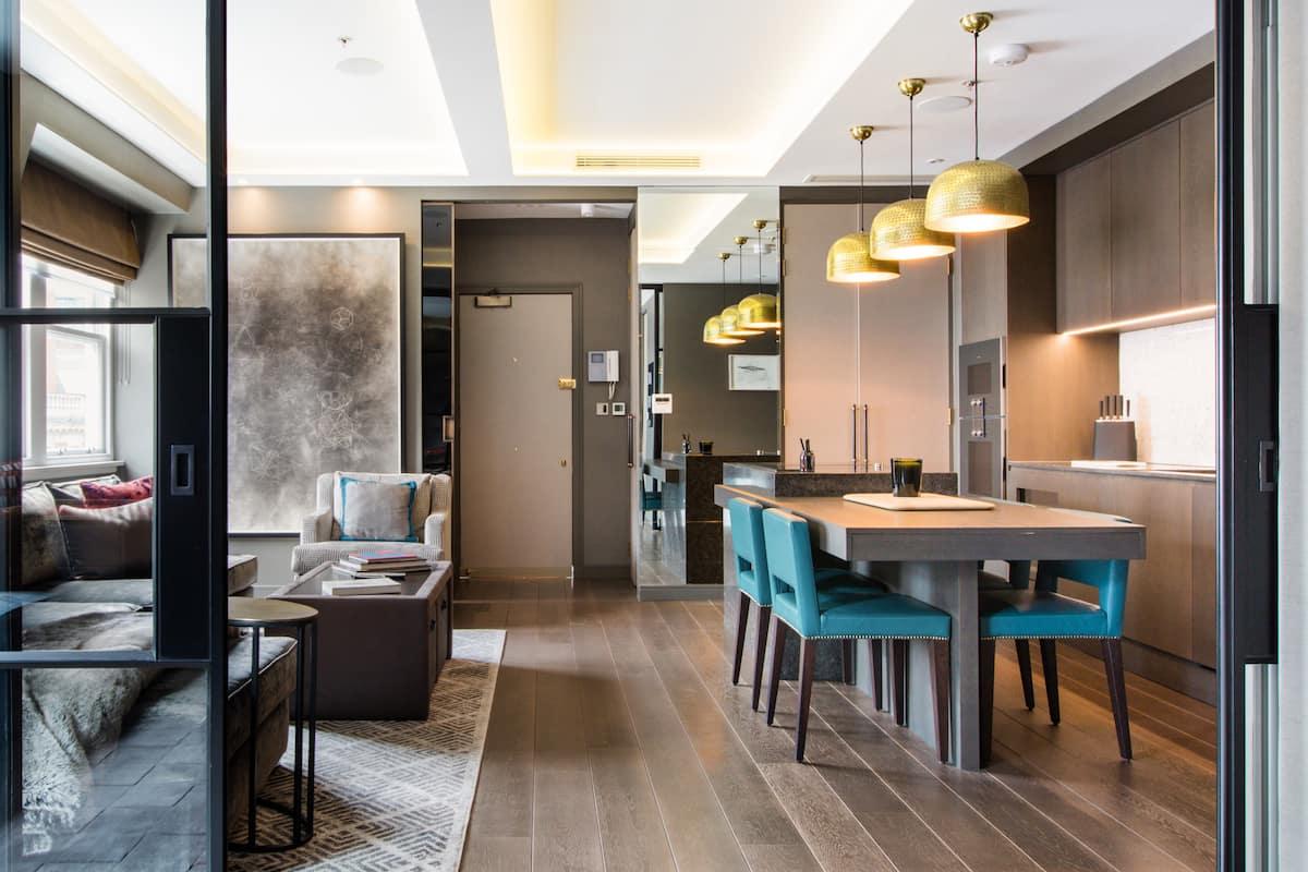 Boutique Hotel Feel Located in Desirable Fitzrovia
