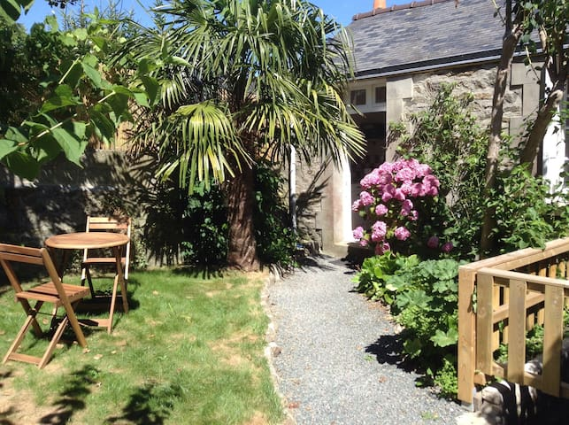 Maison avec jardin plein centre - Dinard