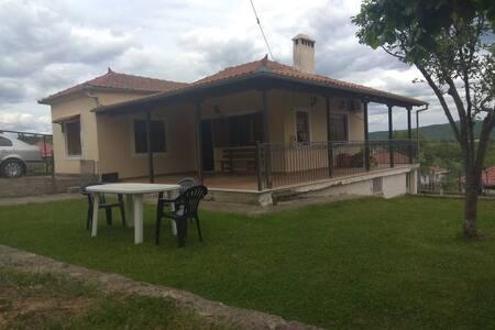 Family+ near Meteora/Kalampaka