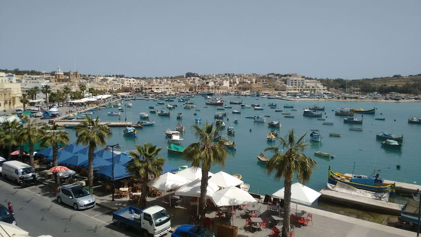 Sea view self catering Apartment - Marsaxlokk - Lejlighed