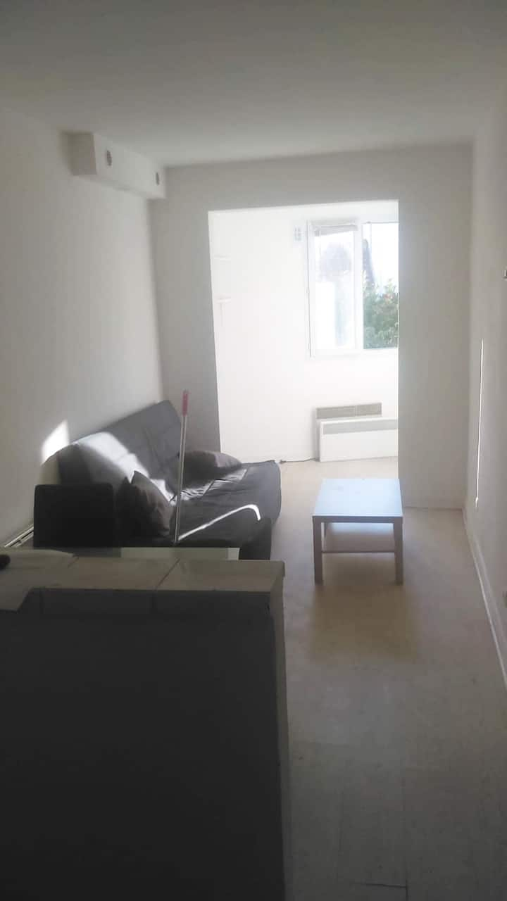 Nice 18m2 flat near Paris