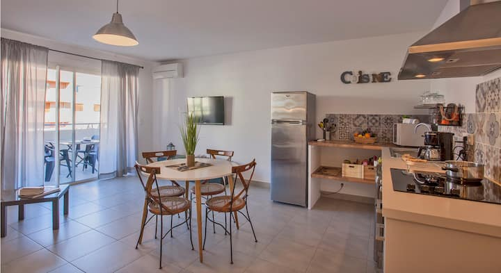 orangeraie , 400m from beach, calvi downtown, all shops on walking distance