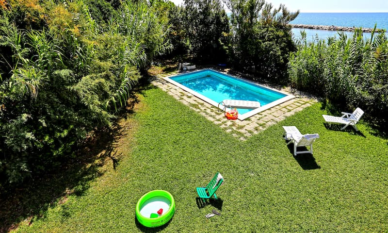 Villa Mediterranea ⎈10 Guests with Pool and Beach