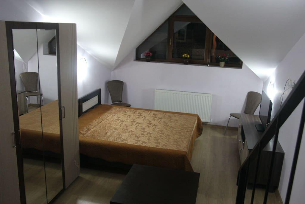 Спальное место нижнего уровня