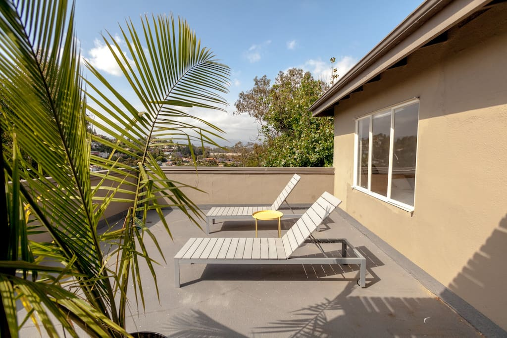 Hilltop minimalist midcentury 2bd 2ba houses for rent in for Minimalist house los angeles