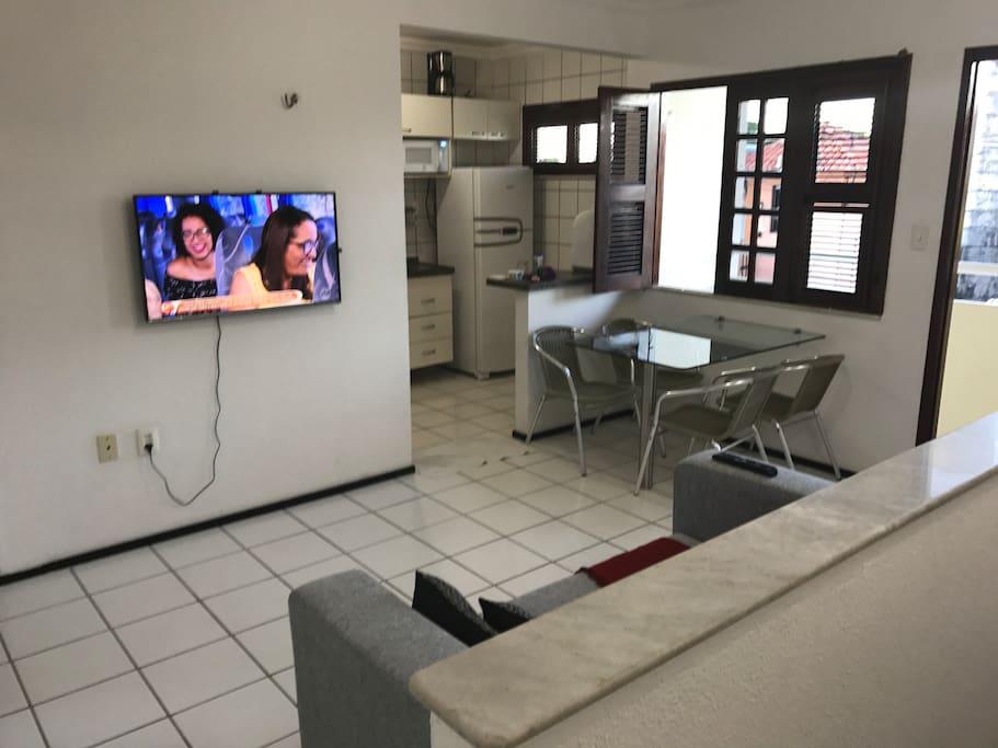 "Sala com TV em Led smart 40"""