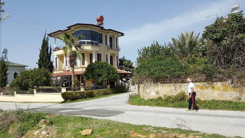 Tolle Villa mit Terrasse & Garten - Avsallar Belediyesi - Talo