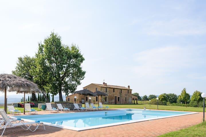 Magnificent villa & pool.  Wonderful location.