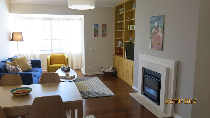 Beautiful & renovated apartment, fabulous location - Cascaes - Departamento