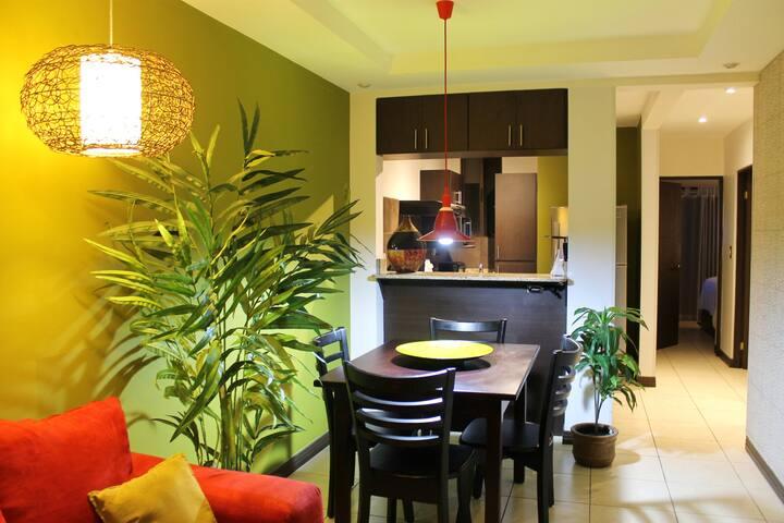 Entire Condo - Cozy Mod 2bd/1.5ba - San Jose - Appartement