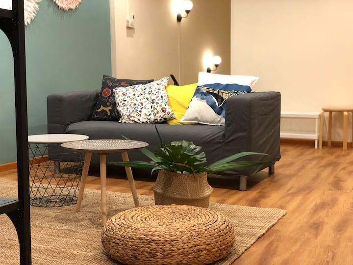 Tropical Cosy 9 Bedrooms Apartment