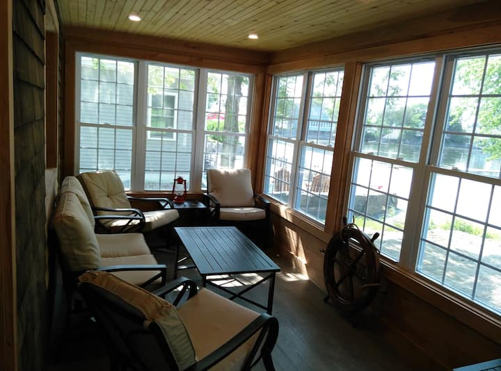 Completely renovated cottage on  Lake Champlain