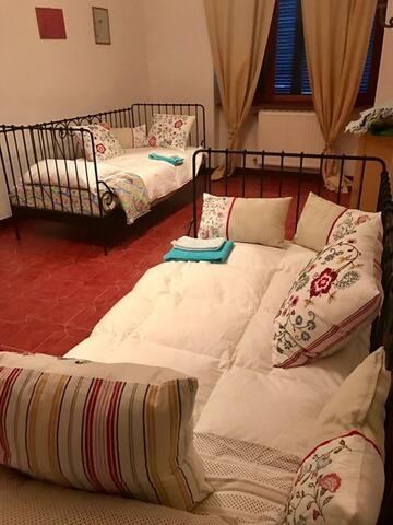 camera da letto doppia + 1 letto bambino