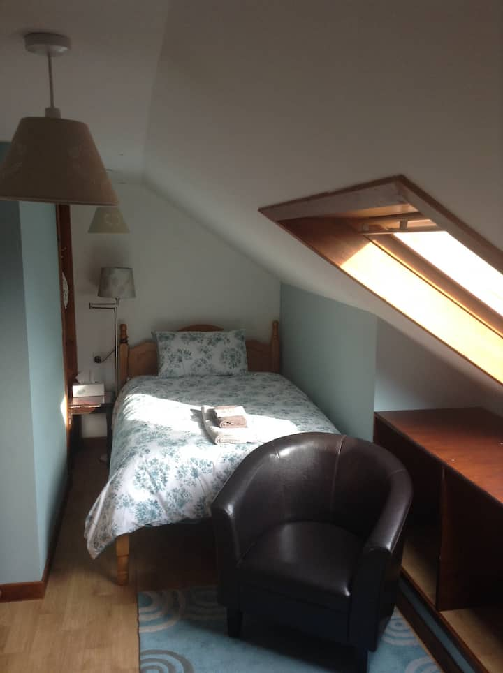 Kirkwall. Large single/small double with breakfast