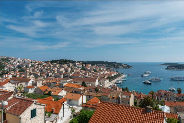 See the Sea - mesmerizing view of Hvar harbour