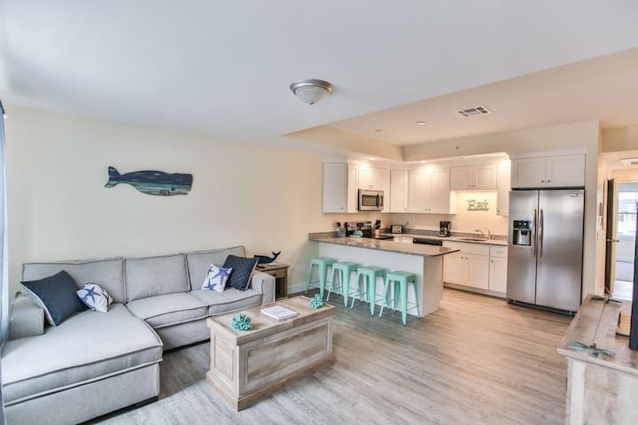 Luxury 3-bed 3-bath beach condo steps from ocean