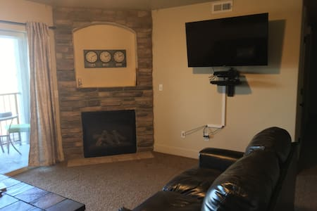 Clean and comfortable 3B/2b condo in Payson - Payson - Lakás