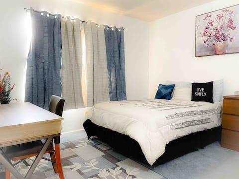 Comfortable & Quiet Room in Spacious Home