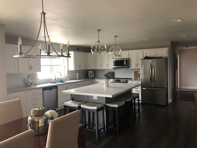 Country Home for rent during EAA and Ryder Cup