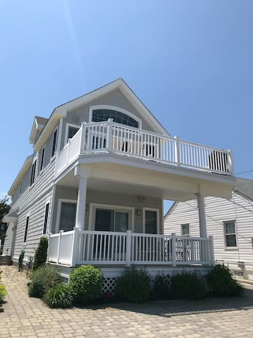 Stone Harbor Home 5 Houses from Beach