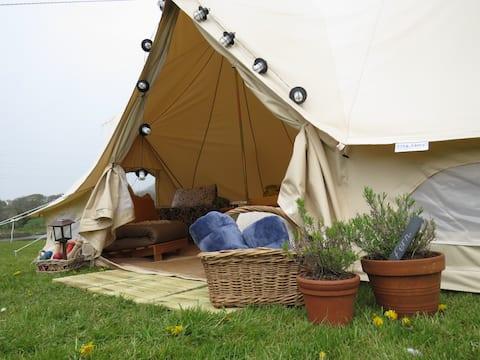 A Night@Nash - Fern Glamping tent - Dog friendly