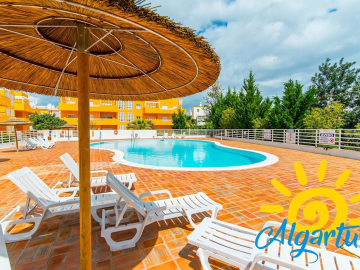 Royal Cabanas Golf - 2 Bedroom Apartment with pool