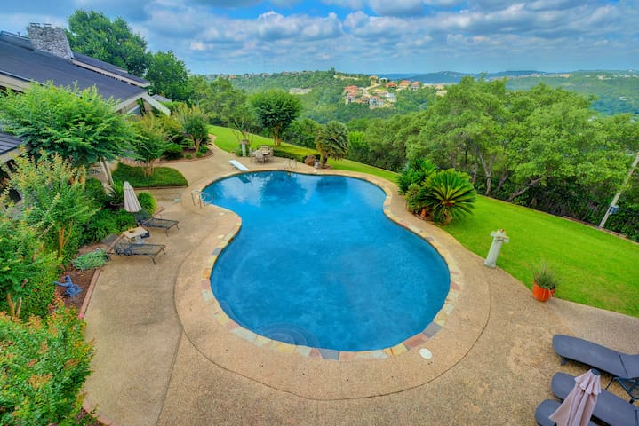 Hill Country 3BR Villa w/ GrandView - Austin - Villa