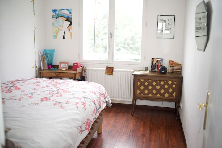 Chambre / Bedroom - double bed/ 140x190