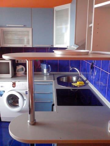 Уютная квартира рядом с центром - Sergiyev Posad - Apartamento