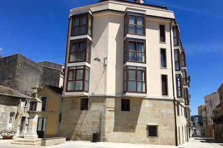 Apartamento lujoso y céntrico - Porto do Son - Apartment